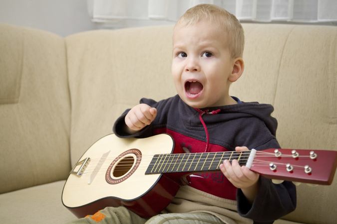 boy-with-guitar6x4